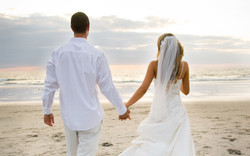 Love_Newly-married_couple_028135_