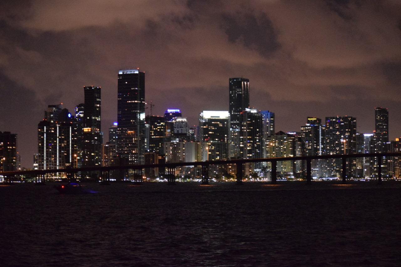 Miami Nights Booze Cruise | Party Boat In Miami\ Miami Turn Up Entertainment
