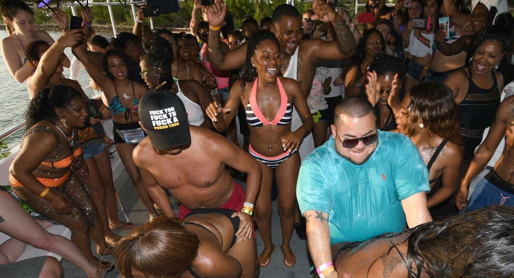 Miami Hip Hop Party Boat | Hip Hop Party Boatr Miami 2020- Miami Turn Up Entertainment