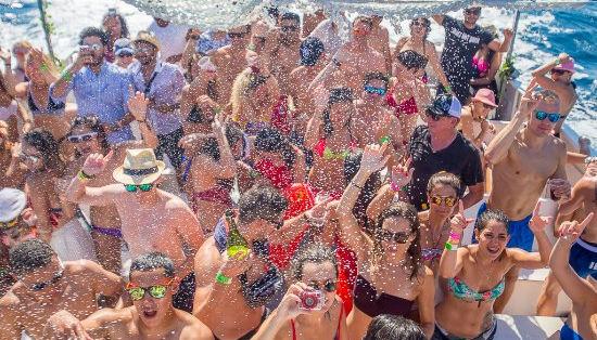 Miami Booze Cruise | Miami Beach Party Boat- Miami Turn Up Boat Party