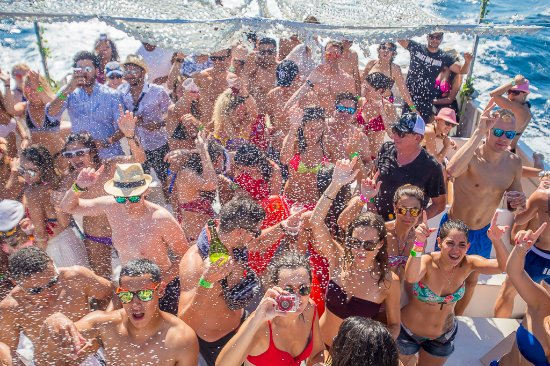 Miami Booze Cruise | Miami Beach Party Boat- Miami Turn Up Boat Party