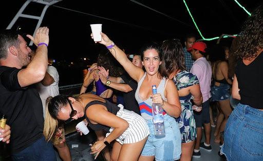 Miami Booze Cruise | Miami Party Boats- Miami Turn Up Entertainment