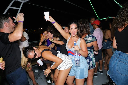 Miami Booze Cruise | Miami Party Boats- Miami Turn Up Entertainment