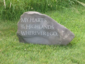 Robert Burns Quote in natural river stone