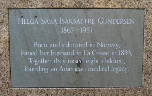 Commemorative plaque to Helga Gundersen, Gundersen Clinic, La Crosse, WI