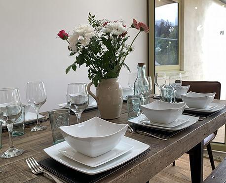 HL-dining-table-865x700.jpg