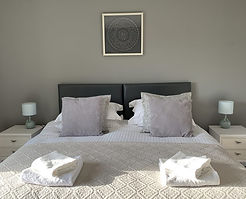 HL-master-bed-865x700.jpg