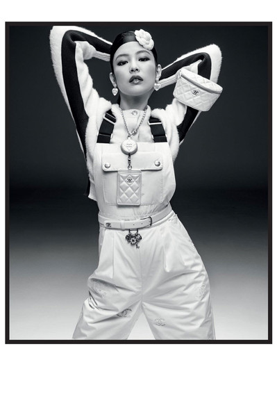 https___hypebeast.com_wp-content_blogs.dir_6_files_2021_09_chanel-coco-neige-campaign-blac