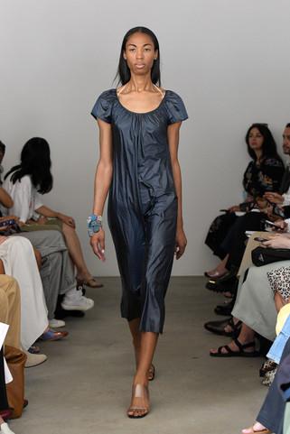 00017-Maryam-Nassir-Zadeh-RTW-Spring-22-credit-Madison-Voelkel-courtesy-of-brand.jpg