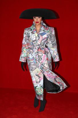 https___bae.hypebeast.com_files_2021_10_cardi-b-paris-fashion-week-ss22-outfits-8.jpg