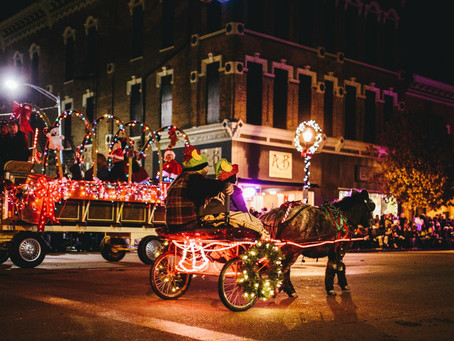 Accepting Entries for 14th Annual Hometown Holiday Horse Parade
