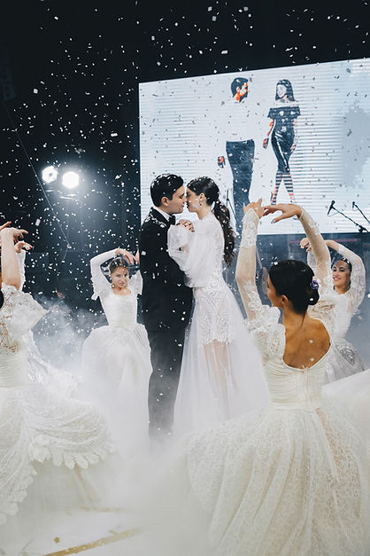 WeddingDay_A&A_MaxVas_670.jpg