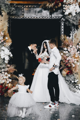WeddingDay_A&A_MaxVas_229.jpg