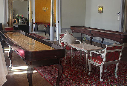 Shuffleboard på Grand Hotel