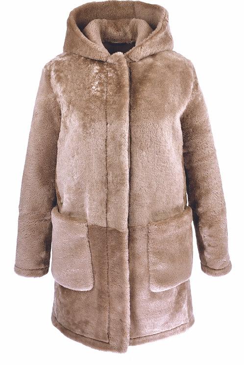 Palton din blana cu gluga