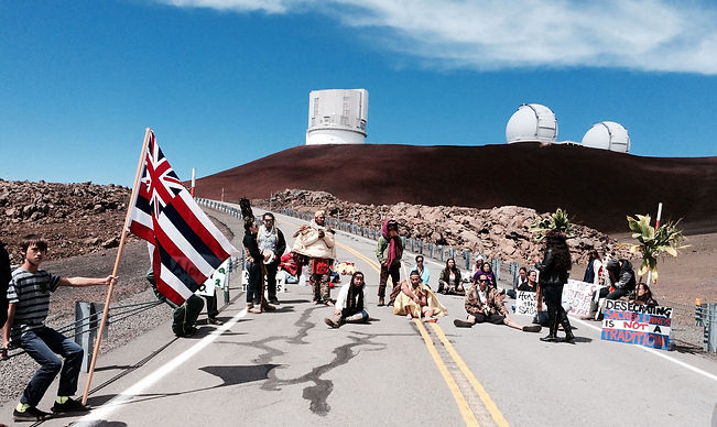 Oct 7, 2014 Blocking the Mauna Kea Acces