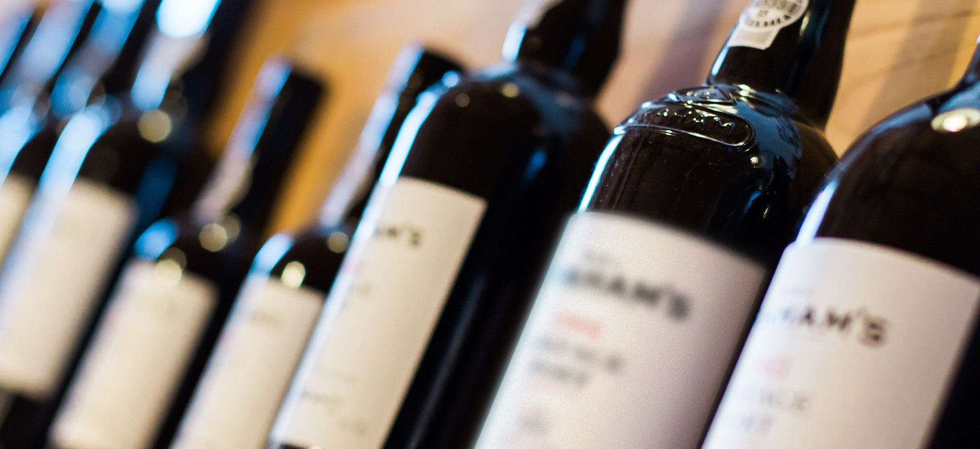 Bottiglie di vino | club nautico chia