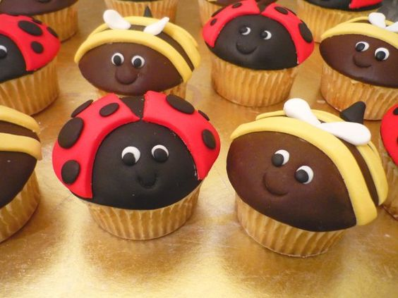 School Holiday - Ladybirds and Bumble Bees Cupcake Decorating  (1)