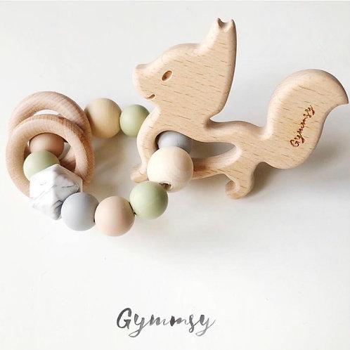 Грызунок с лисёнком и двумя колечками