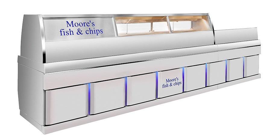 Die Aufstellung der Fish & Chips-Produkte mit Blick zum Kunden ist der einzige Unterschied zu unseren traditionellen Modellen. Diese Frittieranlagen verwenden dieselbe hochstehende Hifri-Technologie, wie etwa das digital gesteuerte Ölfiltersystem und die sehr effiziente HR-Fritteuse. Auch unsere Fish & Chips-Modelle werden vollständig maßgefertigt und an Ihre Wünsche angepasst. Sie haben dabei die Auswahl unter einer breiten Palette von Optionen.