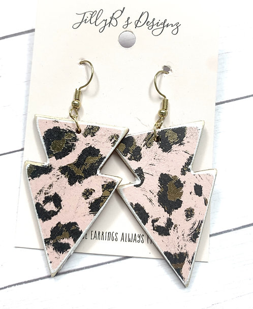 pink and gold leopard print arrow