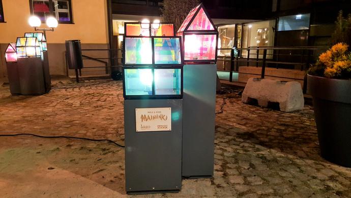 Torikorttelin valotaideteos.Helsinki