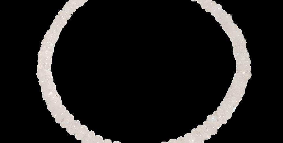 Halskæde med hvide jadeknapper