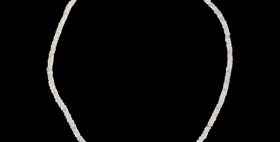 Halskæde med små aquamarin sten - Elegance
