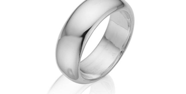 Enkel sølvring med runde former