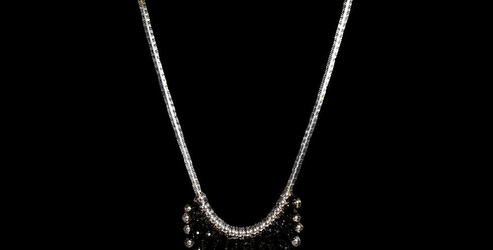 Sølvhalskæde med små sorte spinel sten - Elegance