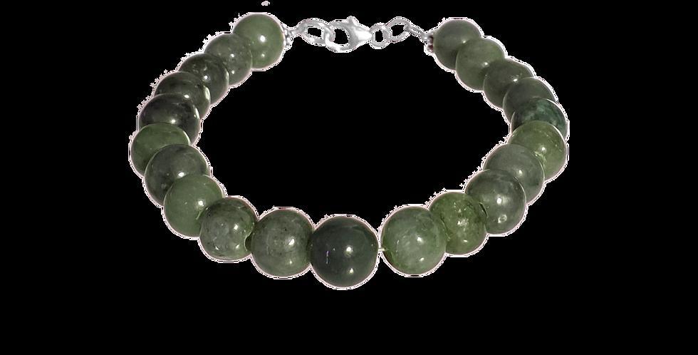 Armbånd med grønne beads af jade