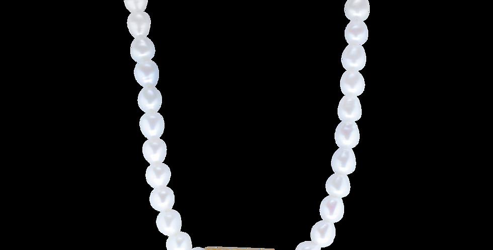 Perlehalskæde med forgyldt vedhæng