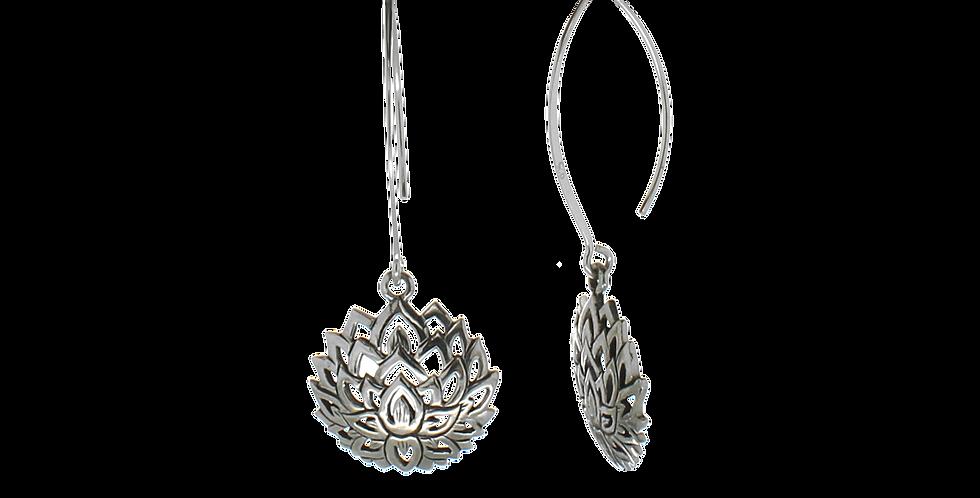 Blanke sølvøreringe med lotusvedhæng - blossom