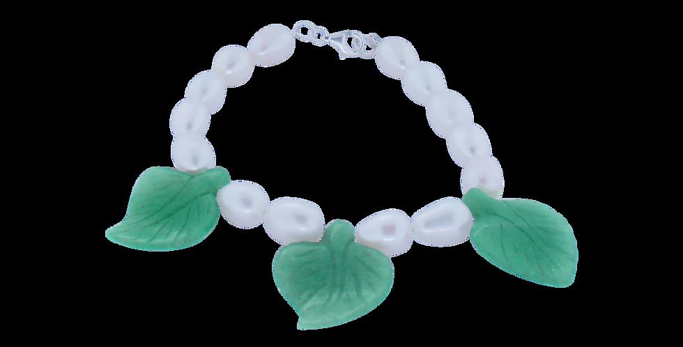 Perlearmbånd med grønne blade