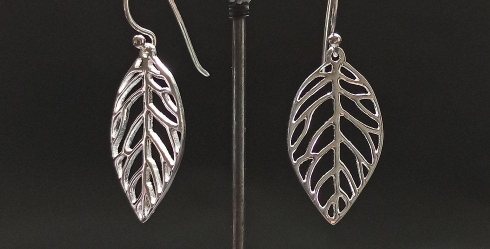Sølvøreringe med blad