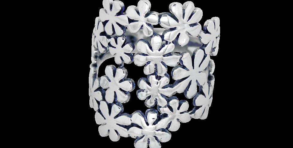 Oxyderet sølvring med blomstermotiv