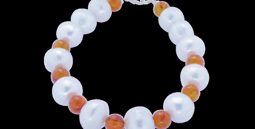 Armbånd med perler og rav