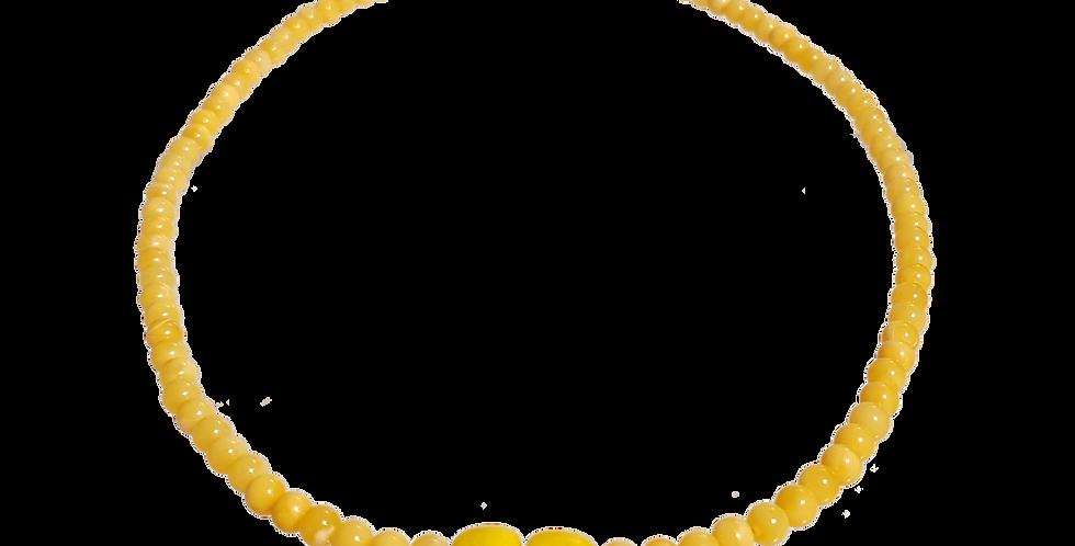 Halskæde med gult rav