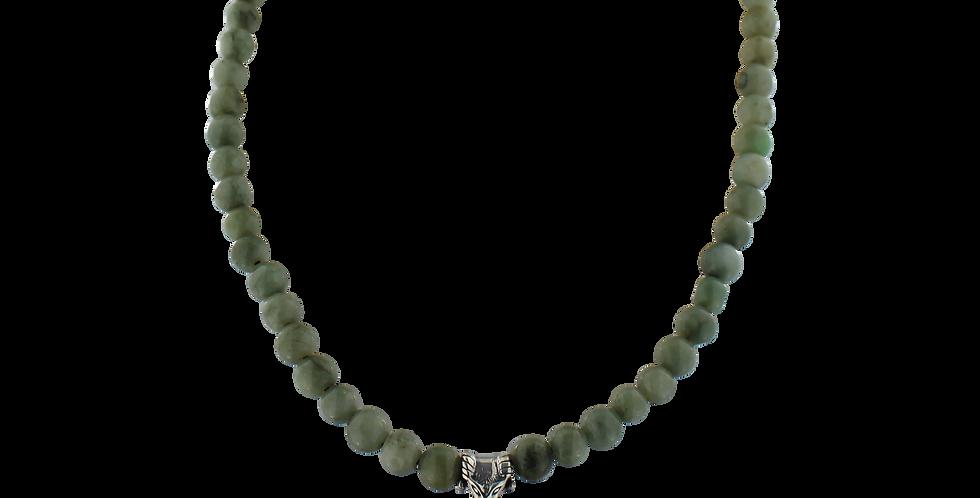 Halskæde med grøn jade og thorshammer
