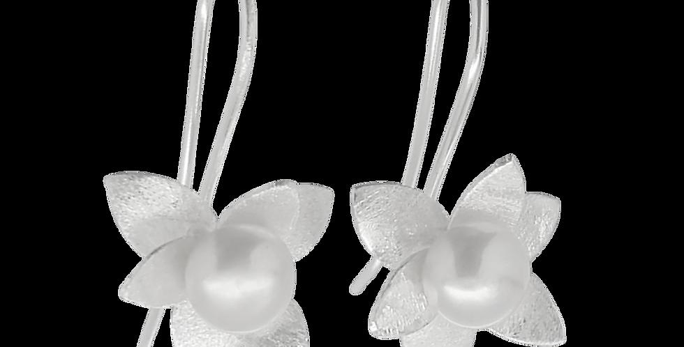 Sølvøreringe med blomst og perle - sølvøreringe med perler