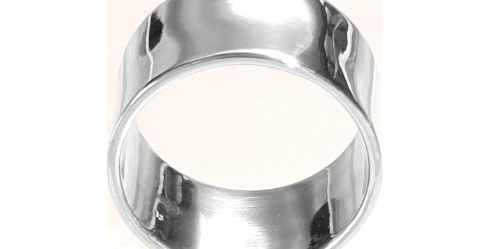 Enkel bred fingerring i nordisk design