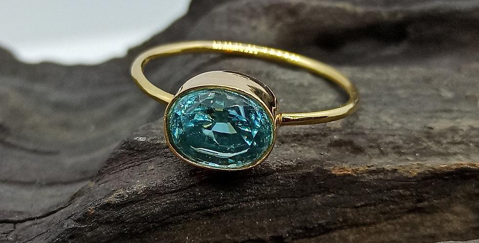 14 kt. guldring med blå zirkon