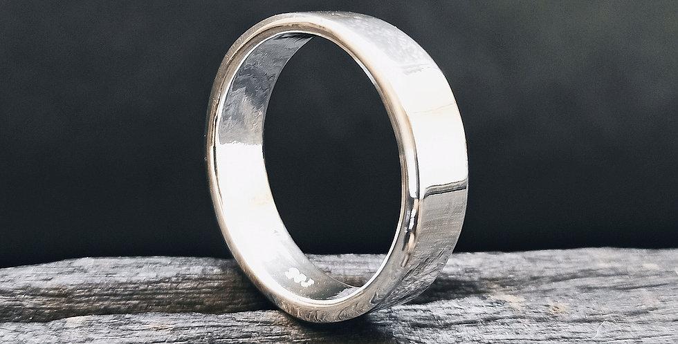 Kraftig blank sølvring