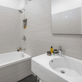 152SanCarlos  Bath2.jpg