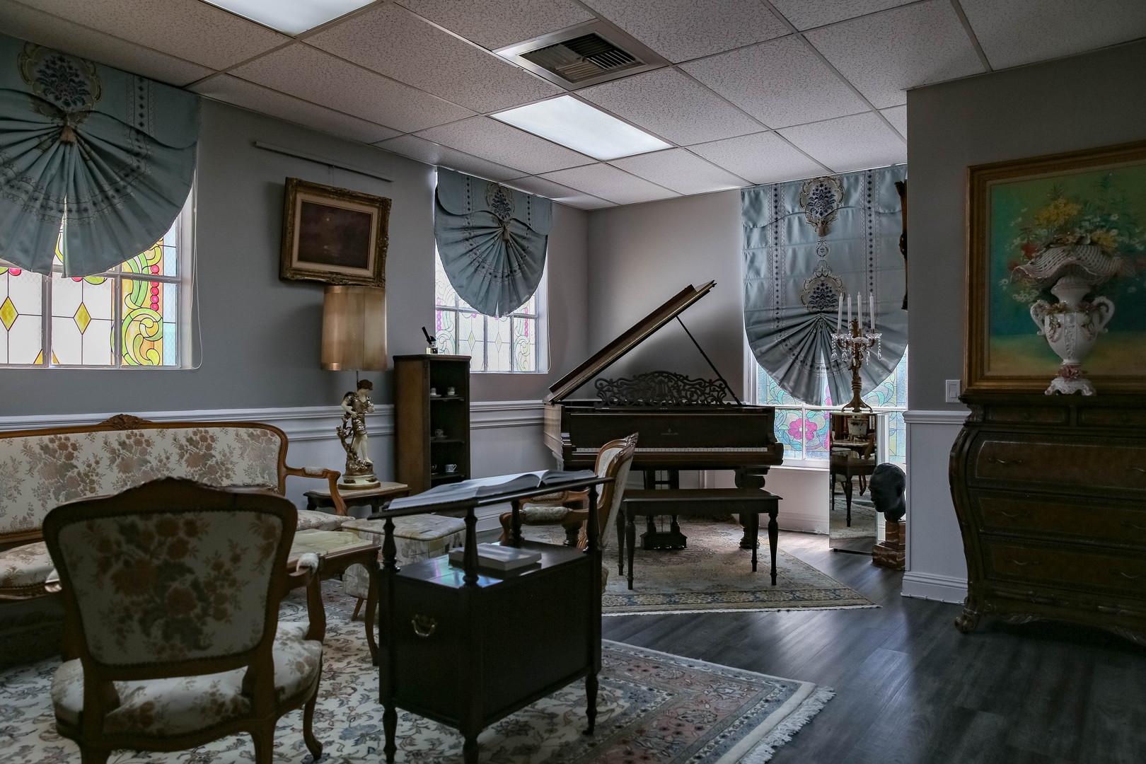 Fine Arts, Antique and Piano Room
