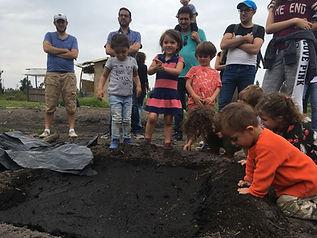 elaboración de chapines por niños