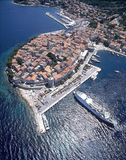 Helicopter+view+Korcula+town.jpg