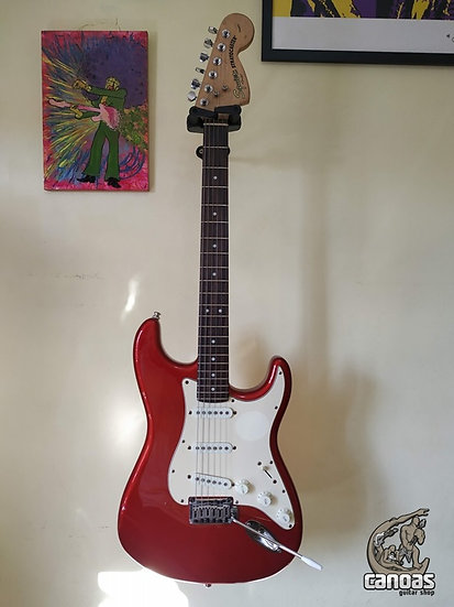 Squier Stratocaster Standard Candy Apple Red