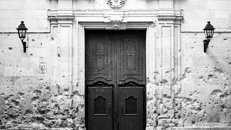©Alexander Schwarz_018a_church-entrance