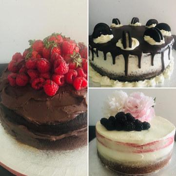 naked cake style cakes